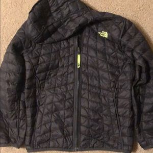 North face boys 14-16 reversible winter jacket.